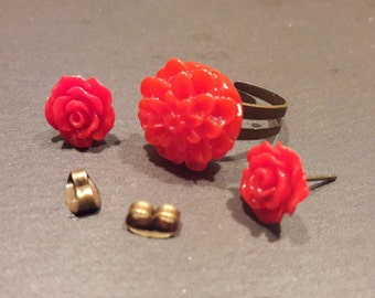 Ring and earrings set. Red rose stud earrings. Red dahlia ring. Antique bronze adjustable ring.