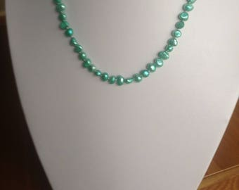 Green freshwater pearls handknotted on silk thread, freshwater pearl necklace,