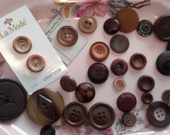 Vintage browns button lot mix, sewing crafting old wood plastic