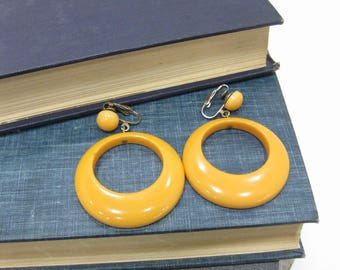 Vintage Butterscotch Bakelite Hoop Clip On Earrings