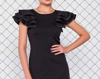 Elegant short dress, butterfly sleeves dress, frilled sleeves, fitted dress, black dress, little black dress, green dress, emerald dress