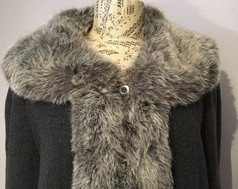 Vintage 1980s Grey Full Length Wool and Cashmere Coat with Faux Fur Trim, Size 16 - Made in the U.K.