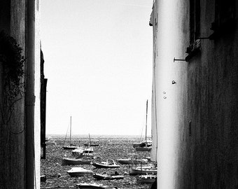 Black and white landscape photography: the boats of sea in Spain