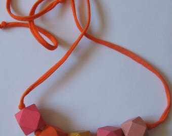 Pink and orange wooden beads necklace