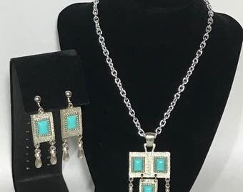 Faux Turquoise   Silver Tone Necklace set