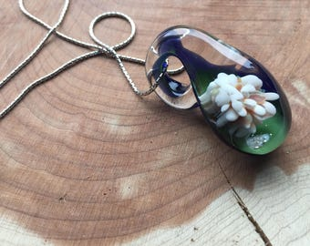 Glass Flower Pendant - White and Green