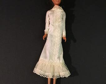 Barbie Doll White Lacy Dress #3800 Fun N Fancy Vintage 1982