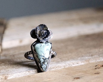 Cassiopeia Variscite Floral Ring / Modern Jewelry