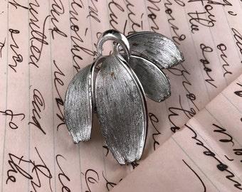 Vintage Ladies' Silvertone Tara Brand Lapel Pin/Broach