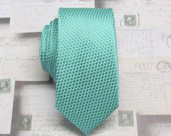 Men's Tie. Skinny Tie. Mint Green Oval Patterned Skinny Necktie