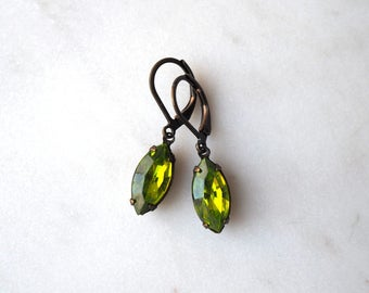Olive Green Rhinestone Jewelry / Green Vintage Jewel Earrings / Vintage Glass Earrings / Olivine Green Earrings / Estate Style Jewelry