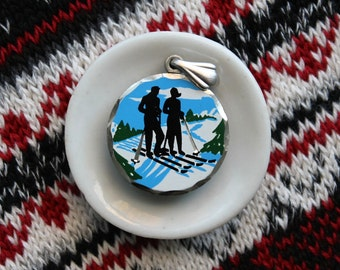Vintage Ski Pendant, Blackinton Pewter Skiing Pendant, Ski Bunny Necklace, Cabin Chic, Enamel Ski Pendant, Gifts for Her, Gifts under 20