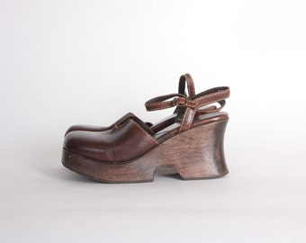 Vintage 90s PLATFORMS / 1990s Chunky Wood Heel Brown Leather Strappy Heels 10
