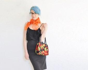 mod floral tapestry handbag . green red black 1960 kiss clasp kelly purse