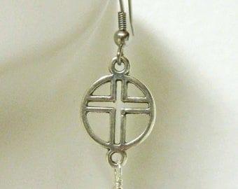 Taupe pearl and cross earrings - E1905
