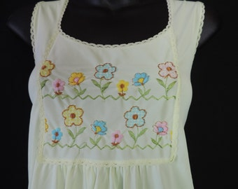 vintage peignoir set 60s yellow daisy flower nightgown + robe set medium
