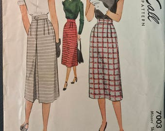 McCall 1940's Misses' Skirt Pattern # 7003 - Uncut - 1947 - Size 16, Bust 34