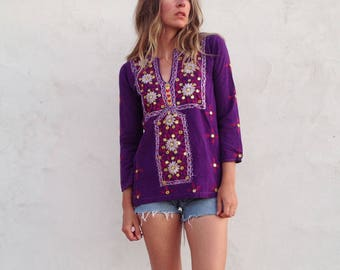 Vintage 70's Indian Cotton Tunic Top / Purple Embroidered w Mirrors / Boho Hippie Women Small