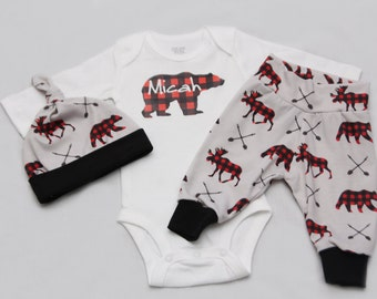 Newborn Coming Home Outfit, Baby Bear, baby boy coming home outfit, baby shower gift,- Jersey knit Leggings, Knot Hat, and Bodysuit