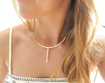 Gold Choker Necklace with Vertical Bar - Wingspan Choker Necklace - Hammered Curved Bar Necklace - Collar Necklace - Gold Fill Choker