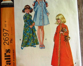 Vintage 1970s Little Girls Robe in Three Versions Size 4 McCalls Pattern 2697 Cut/Complete