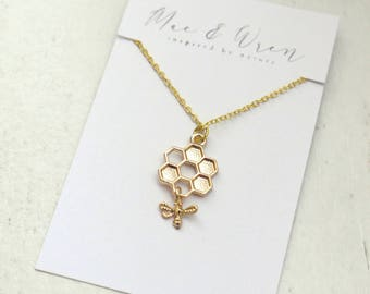 Bee with Honeycomb Necklace, Gold Charm Necklace, Insect Jewellery, Honey Bee Jewelry, Gift For Her, Gift For Women, Bridesmaid Gift