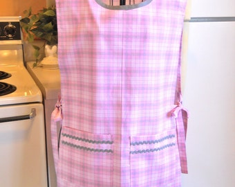 Old Fashioned Style Womens Smock Cobbler in Pink Plaid