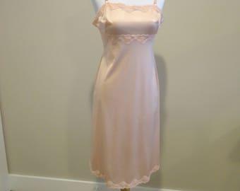 Vintage Vanity Fair Full Length slip, Pink slip, Women's lingerie, French lingerie, lace lingerie