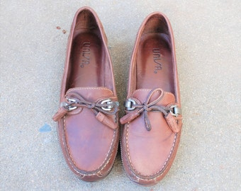 Vintage Womens 6 Unisa Slip on Leather Tassel Loafers Aztec Boho Hipie Hipster Dress Casual Brown Preppy Spring Summer Beach Boat Deck Shoes