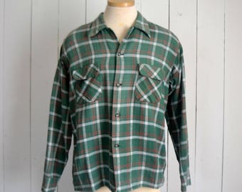 Cotton Flannel Plaid Shirt - 1970s Button Up Shirt - Vintage Rustic Grunge Shirt - Green White - Large L / Extra Large XL