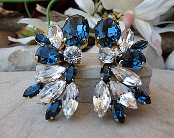 Navy blue wedding earrings. Midnight blue jewelry. Feminine earrings. Blue bridal earrings. Sparkling earrings.Blue white swarovski earrings