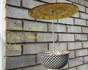 Geometric Bird feeder Black and white patterns/yellow umbrella/Outdoor/Bird/outdoor/Garden Art/Glass Garden/Geo/design Hanging,looking glass