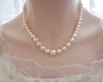 Classic graduating pearl necklace, Pearl necklace, Brides necklace, Swarovski pearl necklace, Bridesmaids necklace, Wedding necklace ~ Gift