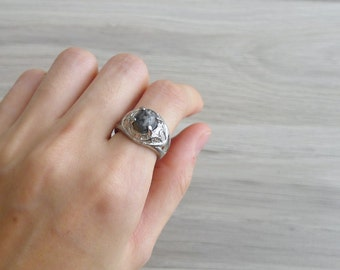 15% SALE (Code In Shop) - Vintage 70's Stormy Grey Circle Stone Ring 5.5