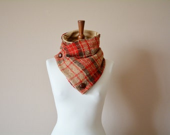Tartan cowl scarf, Gift for her, Tartan scarf, neckwarmer, unisex gift, Holiday gift, Wool scarf, Wool cowl, red cowl, red scarf