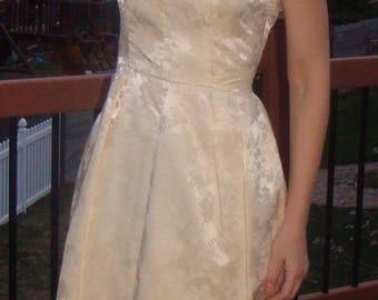 """CREAMY IVORY SHEATH dress wedding 1960's 60's 28"""" waist"""
