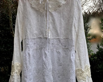 Charming Sugar Queen Whites Tunic Vintage EyeletDetails  Once Upon A Time Beauty Size Large