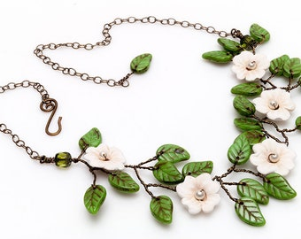 Creamy White and Green Flower Vine Necklace, Floral Bridal Necklace, White and Green Beaded Necklace, Nature Jewelry
