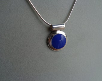 Lapis, .925 silver pendant with chain.