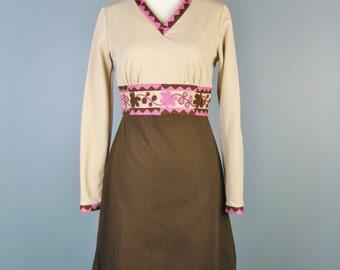 Mod School Girl Dress / Vtg 70s / Vicky Vaughn Two Tone Dress / Embroidered Dress / Pink Brown Dress