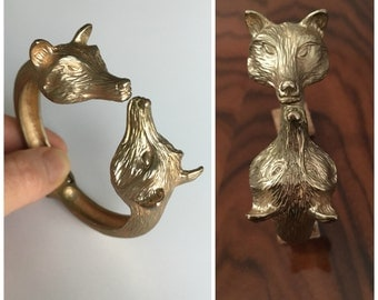 Vintage Double Fox Head Clamper Bracelet - Gold Tone Hinged Bangle