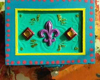 Funky Fleur de lis Folk Art Gift/Trinket Box