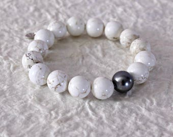 White Howlite Stretch Bracelet - Natural Stone Elastic Bracelet - White Howlite with Matrix and Gray Shell Pearl