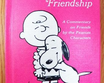 Vintage Peanuts Charlie Brown ALL ABOUT FRIENDSHIP Hallmark 1968 Small Hardback