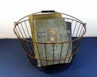 Vintage Egg Basket Rustic Rusty Wire Farmhouse Decor Industrial Chic