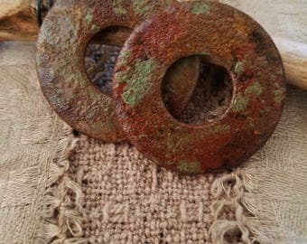 2 piece weathered copper patina style recycled metal washer set rustic earthy urban artifact finding pendant jewelry component focal bead