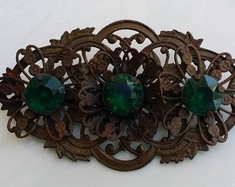 Vintage large brooch pin with green glass
