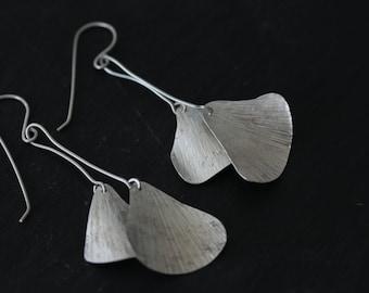 Double hanging ginkgo leaf earrings (E0178)