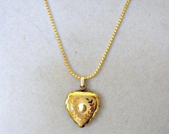 SALE Art Deco Gold Filled Locket , Vintage Gold Heart Locket NOW 105 WAS 125