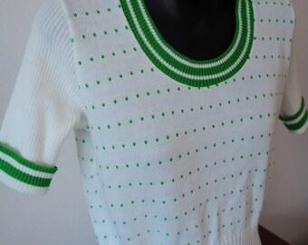 Cute 1970's crop knit top S/M